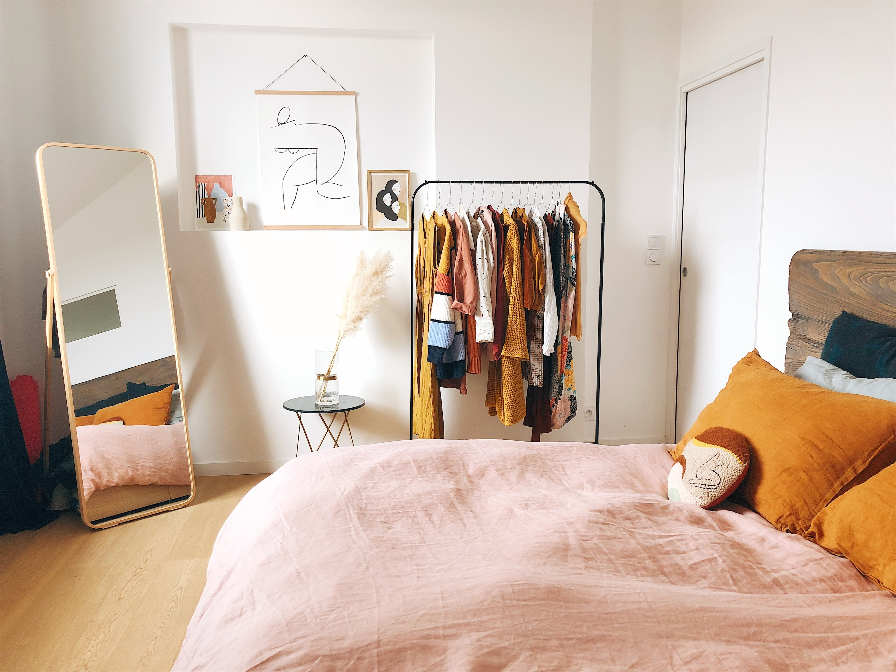 student intern apartment with rented furniture