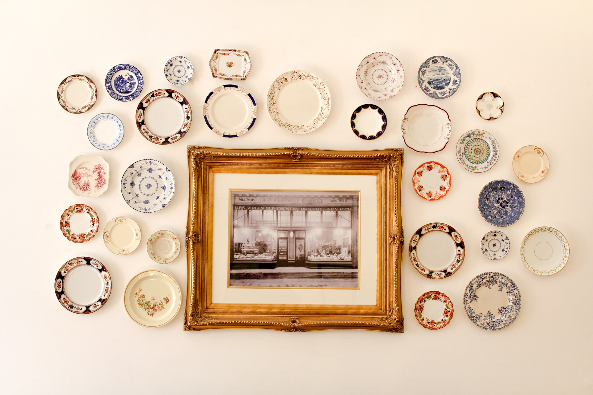Plates used as wall decor